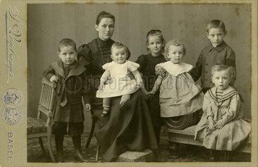 kinderreiche Familie  Portrait  Basel  1902