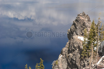 Rock formation in Crater Lake National Park  Oregon  USA