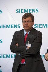 Dr. Richard Hausmann