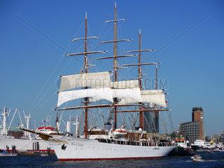 Sea Cloud in Hamburg