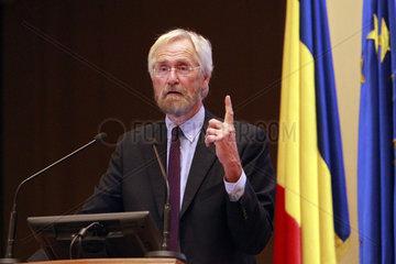 ROMANIA-BUCHAREST-EUROZONE-PROTECTIONISM-ECB ECONOMIST
