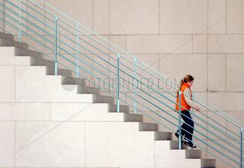 Kind auf der Treppe