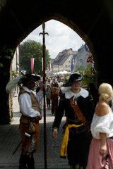 Altdorf  Deutschland  verkleidete Personen bei den mittelalterliche Wallenstein-Festspielen