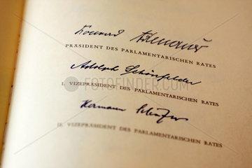 6o Jahre Grundgesetz: Faksimile des Original-Grundgesetzes von 1949