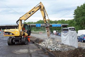 Bauarbeiten auf der Autobahn A 59 bei Duisburg