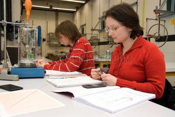 Physikalisches Praktikum an der Ruhruniversit__t Bochum