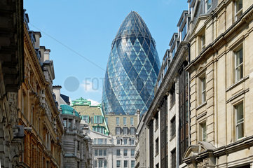 Das Swiss-Re Hochaus Gurke in der City of London