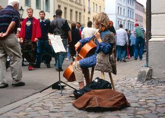 Wittenberg  jugendlicher Strassenmusikant