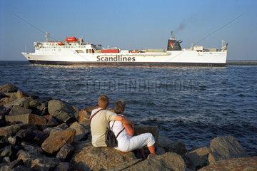 Warnemuende  die Faehre FS Urd verlaesst die Hafeneinfahrt