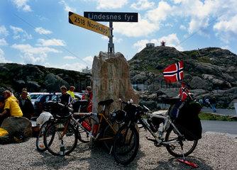 Lindesnes  Norwegen  Touristen am Kap Lindesnes