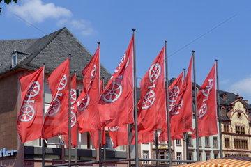 Flaggen mit dem Mainzer Stadtwappen