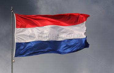 Iffezheim  Deutschland  Nationalfahne der Niederlande weht im Wind