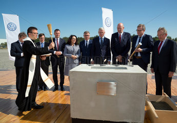 Polen  Grundsteinlegung fuer eine neue Logistikhalle fuer Volkswagen Poznan