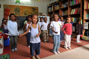 Kinderhilfsprojekt in Addis Abeba  Sportunterricht