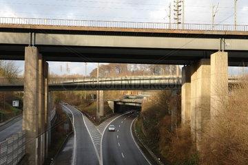 Bruecken und Ueberfuehrungen am Autobahnkreuz 'Sonnborner Kreuz'