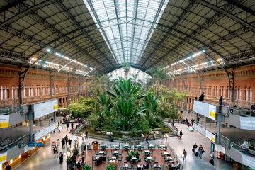Der Bahnhof Atocha in der spanischen Hauptstadtmetropole Madrid