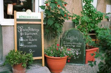 Berlin  Stilleben vor Restaurant