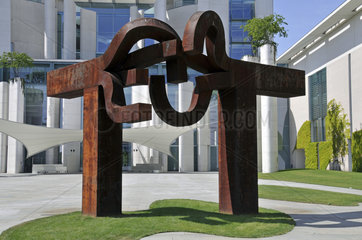 Die Skulptur Berlin vorm Bundeskanzleramt