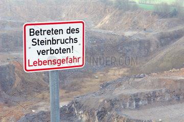 Steinbruch Lebensgefahr - Betreten verboten!