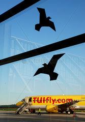 Passagiermaschine der TUIfly am Regionalflughafen Memmingen