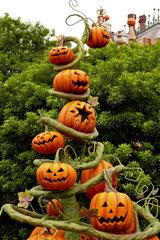 Kitschige Halloween-Dekoration in Japan