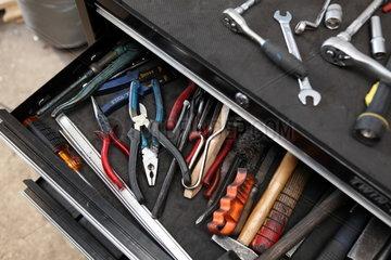 Kfz-Werstatt: Werkzeugschrank