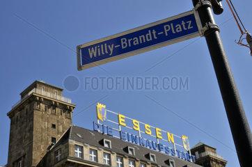 Willy-Brandt-Platz und Hotel Handelshof in Essen