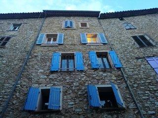 Hausfassade in Suedfrankreich
