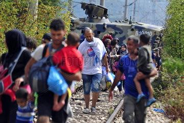 Fluechtlinge an der Grenze zwischen Griechenland und Mazedonien