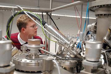 Ultrahochvakuum Anlage an der Ruhr-Universitaet Bochum