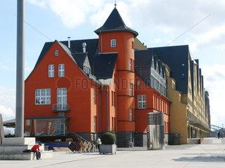 Restaurierte Altbauten im Rheinauhafen Koeln