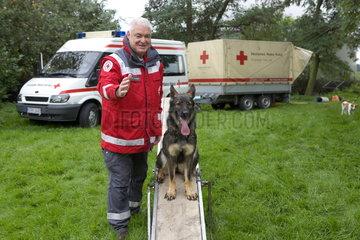 Ausbildung von Rettungshunden beim Deutschen Roten Kreuz