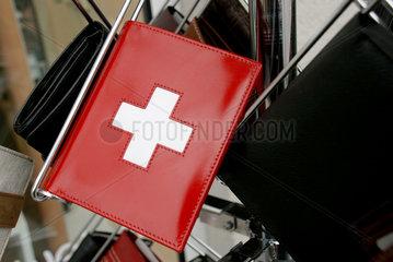 Geldboerse mit Schweizer Kreuz
