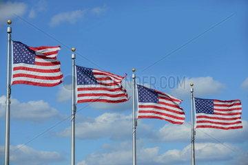 US-Flaggen am Washington-Monument