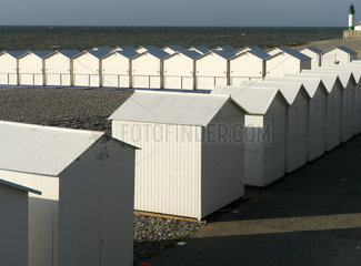 Strandhaeuschen am Strand von Le Tréport  Normandie