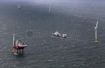 Offshore-Windkraftanlage bei Helgoland