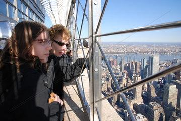 Besucher auf dem Empire State Building