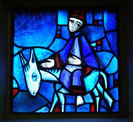 Fenster der Versoehnungskirche in Taize