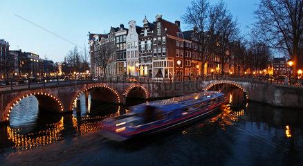 Leidsegracht und Keizersgracht in Amsterdam bei Abendstimmung
