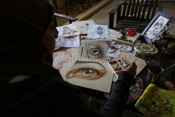 MIDEAST-GAZA-FEMALE ARTIST-ALTERNATIVE PAINTING