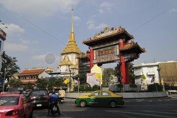 China Gate (1999 zu Ehren Koenig Bumiphol zu dessen 72. Geburtstag errichtet