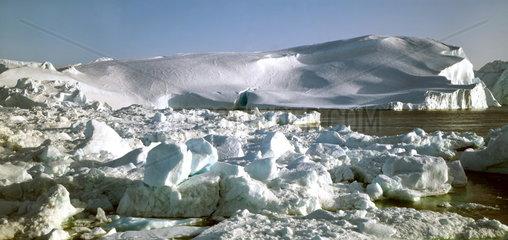 Eisformation im Eisfjord bei Ilulisaat  Gr__nland