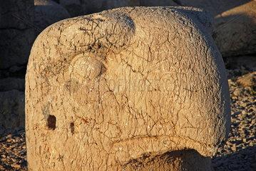 Adlerkopf-Statue auf der Westterasse des tuerkischen Nemrut Dagi