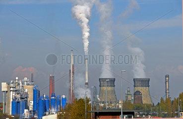 Shell Erdoel-Raffinerie in Wesseling zwischen Koeln und Bonn