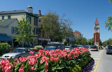 Niagara-on-the-Lake - Blick ueber die Queen Street im Zentrum