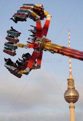 Berlin  Weihnachtsmarkt auf dem Schlossplatz