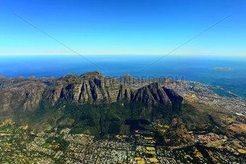 Luftbild der oestlichen Stadtteile von Kapstadt