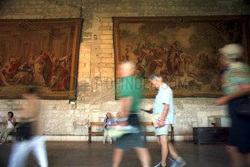 Saal im Papstpalast  Avignon  Suedfrankreich