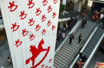 Nuernberg - Fahnen mit dem Logo der Spielzeugmesse in einem Atrium
