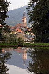 Baden-Baden  Blick vom Michaelsberg ueber den Solmssee auf die Altstadt mit Stiftskirche